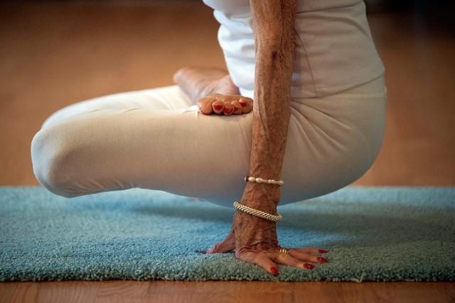 Tao-Porchon-Lynch-yoga-instructor
